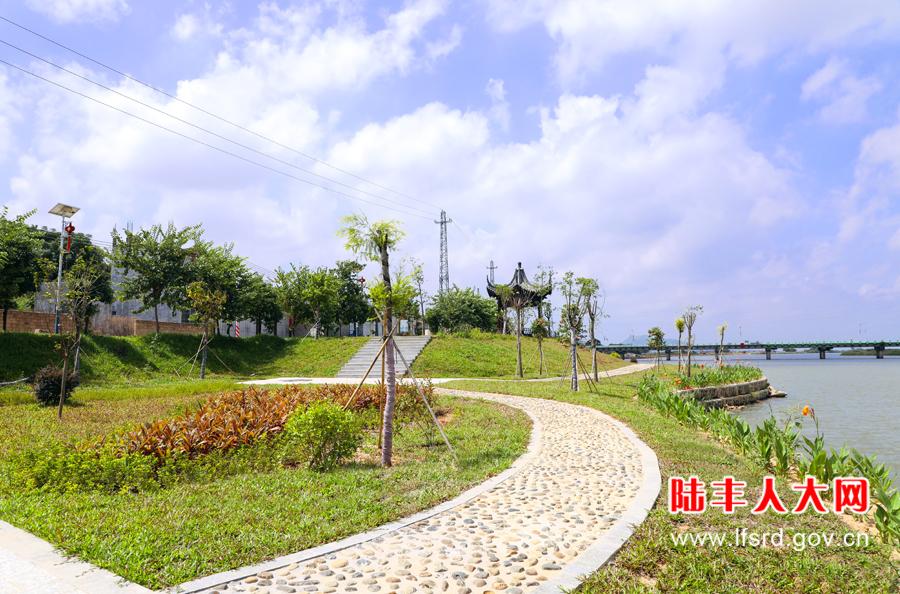 桥冲镇岸堤公园-900